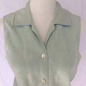 Tommy Bahama Tops - $5 ~ Must Bundle ~ Tommy Bahama Silk Top ~ S